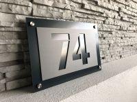 Moderní číslo popisné na dům, plot, vchod v provedení Antracit a šedá Home Deco