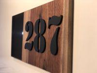 Číslo popisné - 13x30cm Pryskyřice & dřevo - Limitovaná Edice Home Deco