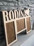 Dřevěný fotorámeček s nápisem Rodina Home Deco